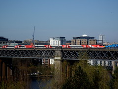 East coast Virgin 225 crosses the Tyne. (mk3seh) Tags: intercity 225 river tyne train newcastle upon king edward 7th bridge