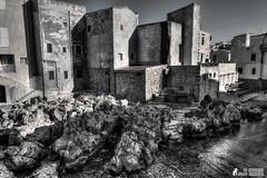 Sant'Elia (Antonino Chiappone Surdi) Tags: santelia santaflavia panorama landscape landscapes paesaggio hdr sicilia sicily scogliera nikond5300 biancoenero monocromo monochrome blackandwhite