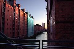 Hamburg, Speicherstadt (1) (lorenztimnik) Tags: hamburg speicherstadt horizon horizont bricks backsteine rot sunset fotowalk
