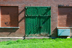 The Green Door (.:Axle:.) Tags: city urban ontario canada slr water digital nikon downtown hamilton pump infrastructure 1912 waterworks pumphouse core d300 doorsopen doorsopenhamilton publictour nikond300 afsnikkor1424mm128g fergusonpumphouse