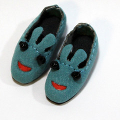 Blue Suede Cartoon Slip-On for BJD Dolls Lati Yellow, PukiFee, Riley Kish, Bobobie Nissa, DIM Silf, Dollk S00066E (dollb @ Flickr) Tags: yellow miniature shoes doll tiny bjd leffy accessory latidoll lati abjds tinybjd pukifee dollb