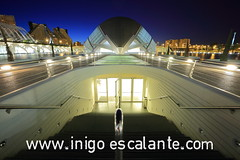 Blog de viajes: Ciudad de las Artes y las Ciencias de Valencia Atardecer - City of Arts and Science Sunset (Iigo Escalante) Tags: city travel las blue santiago sunset sky blackandwhite espaa orange sun white black building byn blancoynegro blanco water valencia azul architecture clouds sunrise de landscape atardecer lights luces spain arquitectura agua cityscape y iigo negro edificio arts ciudad paisaje science panoramic bilbao amanecer cielo panoramica calatrava nubes reflejo conde lonelyplanet artes naranja escalante santiagocalatrava nast nationalgeographic barakaldo traveler biulding ciencias travelphotography apnoramic photographerfotgrafophotographeriigo