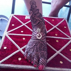 Bridal feet for a Memorial Day weekend bride (Hiral Henna) Tags: square squareformat normal iphoneography instagramapp uploaded:by=instagram