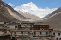 Rongbuk monastery (ronniedankelman) Tags: china road mountain snow berg asia sneeuw tibet monastery everest klooster weg azie mounteverest 8848 rongbuk