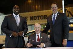 07-10-13 Governor Bentley Signs Bill to Increase Efficiency in State Vehicle Fleet