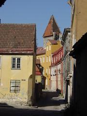 Tallinn, Estonia (Ron's travel site) Tags: road street 2002 tallinn estonia easterneurope balticstates thebaltics file:md5sum=99dfd87a1d58b71ea4d1eb9858de7201 file:sha1sig=354351ded8b52bd661ee2a8c124d8d408d78718a ronstravelsite wwwronsspotuk