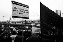 . (Thorsten Strasas) Tags: berlin kreuzberg de deutschland victim murder racism kundgebung remembering commemoration gedenken antifa kottbussertor opfer rassismus schwarzweis täter trauerfeier ermordung tötung burakb farrightextremists ungeklärt