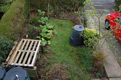 Looking Down on the Front Garden - March 2014 (basswulf) Tags: garden unmodified lenstagged pallets 32 1855mmf3556g frontgarden compostbin d40 201403 3008x2000 permissions:licence=c image:ratio=32 normcres 20140326