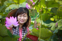 Lovely girl (-clicking-) Tags: flowers portrait girl beauty mood faces emotion lotus country vietnam charming visage vietnamesegirls