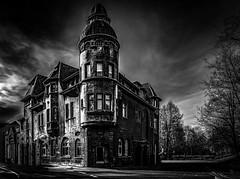 the house..... (st.weber71) Tags: ruhrgebiet ruhrpott architektur nikon d800 nrw germany deutschland essen art schwarzweis blackandwhite