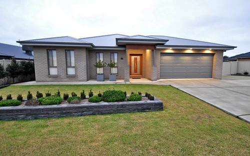 37 Loughan Road, Junee NSW