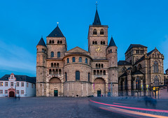 High Cathedral of Saint Peter @ Trier (Marcel Tuit | www.marceltuit.nl) Tags: 2017 6d bluehour canon deutschland duitsland eos eifelsteig germany holland kordel me maart marceltuit moezel nederland rheinlandpfalz rhinelandpalatina rijnlandpalts thenetherlands treves unesco worldheritage architecture architectuur blauweuur cathedral catholic church city contactmarceltuitnl dom faith godsdienst hiking kathedraal katholiek kerk langesluitertijd lichtsporen lighttrails longexposure march oud regiligie religion schemering stad trier twilight wandelen wandern werelderfgoed wwwmarceltuitnl