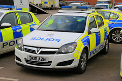 Cheshire Police Vauxhall Astra Incident Response Vehicle (PFB-999) Tags: cheshire police constabulary vauxhall astra hatchback incident response vehicle car unit irv panda lightbar leds dk10azn headquarters hq