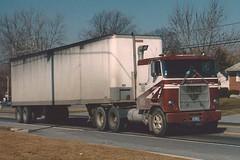 "Mack Cruiseliner, ""Lancer"" (PAcarhauler) Tags: mack cabover coe truck tractor trailer semi"