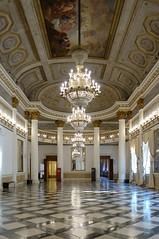 Salle de bal du palais royal, actuel musée Correr, à Venise (frediquessy) Tags: venise palais musée correr salledebal lustre colonne intérieur néoclassicisme italie galerie voute giuseppeborsato empire napoléon