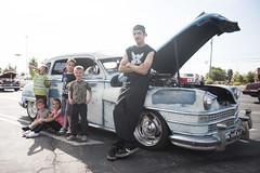 Las Vegas (FreezeTimeDigital) Tags: chrysler windsor car classiccar carshow nikond750 familyportrait kids photojournalism