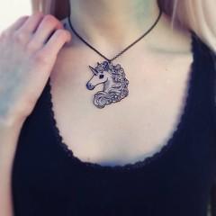 Colgantes transparentes originnales (Wilhem Briceño Viez) Tags: necklace art original colgante unicornio luna unicorn moon draw illustration design jewerly