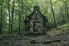 Von Trapp Chapel (Rodney Harvey) Tags: little stone chapel church stowe vermont quaint woods rain wet forest rural bell cross ease