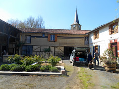 Arrival (RobW_) Tags: chris fida ward farmhouse bernadetsdebat midipyrenees france thursday 06apr2017 april 2017 diaryphoto mdpd2017 mdpd201704 hautespyrénées occitanie gascony