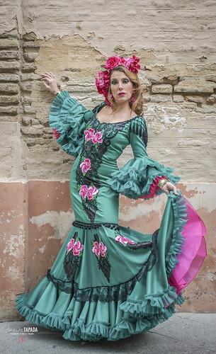 Traje de flamenca verde con encajes