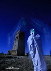 Espectro (Luis Cortés Zacarías) Tags: valladolid espectro nocturna noche villacreces fantasma