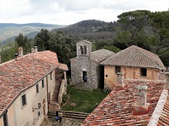 Belagaio (magellano) Tags: belagaio toscana tuscany italia castello castle chiesa church corte courtyard tetto roof