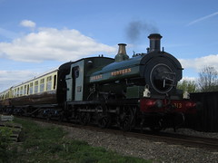 IMG_4762 - GWR Hudswell Clarke Saddle Tank 813 (SVREnthusiast) Tags: didcotrailwaycentre didcot railway centre gwrhudswellclarkesaddletank813 gwr hudswellclarke saddletank 813