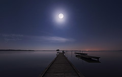 White 'pink moon' ((Virginie Le Carré)) Tags: ponton pontoon lac lake gironde france nuit night fullmoon pleinelune pinkmoon lunerose extérieur outside paysage landscape peaceful paisible