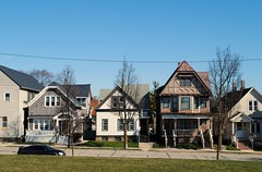 600 block of  E Meinecke Ave, Milwaukee (Cragin Spring) Tags: midwest unitedstates usa unitedstatesofamerica wisconsin wi city urban milwaukee milwaukeewi milwaukeewisconsin house home park kilbournpark