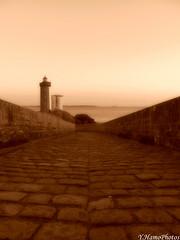 Le Minou version sépia (Yohann Hamonic) Tags: yohannhamonic sépia phare du minou petit finistère bretagne bzh breizh brittany breton pharebreton paysage landscape
