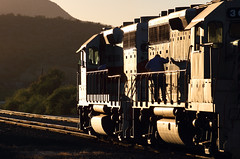 Morning rituals (Moffat Road) Tags: copperbasinrailway cbry emd glint sunrise locomotive morning hayden haydenjunction arizona train railroad az