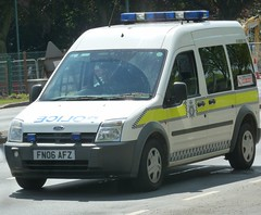 Nottinghamshire Police Ford Transit Connect Cell Van FN06 AFZ (NottsEmergency) Tags: park city nottingham rescue ford car lights central cell police vehicle siren beeston nottinghamshire connect midlands 999 fordtransit sirens constable bluelights notts policeofficer eastmidlands constabulary policing responding nottspolice highfields neenaw fordtransitconnect nottinghamshirepolice cellvan
