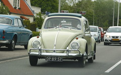 Volkswagen Beetle (timvanessen) Tags: original dutch vw de deluxe 111 luxe dp8957