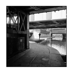 jogger  london, england  2013 (lem's) Tags: city bridge england london rolleiflex river canal sale camden riviere tunnel pont angleterre jogging 35 ville jogger planar simpleviewer