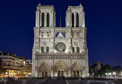 Notre Dame (santi.heads) Tags: city paris france church night noche cathedral natural catedral iglesia ciudad heads nocturna notre dame francia hdr sgc
