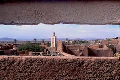 vue sur Ouarzazate Maroc143 (ichauvel) Tags: voyage africa city travel house wall view stones pierre maisons mosque maroc getty marocco mur glise vue ville churh mosque afriquedunord ouarazate oanorama dificereligieux