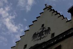 Schloss Lenzburg ( Baujahr um 1036 - Höhenburg Burg château castle castello ) auf einem Hügel ob der Altstadt - Stadt Lenzburg im Kanton Aargau der Schweiz (chrchr_75) Tags: chriguhurnibluemailch christoph hurni schweiz suisse switzerland svizzera suissa swiss chrchr chrchr75 chrigu chriguhurni 1310 oktober 2013 hurni131029 albumschlösserkantonaargau kantonaargau kanton aargau schloss castle château castello kasteel 城 замо castillo mittelalter geschichte history gebäude building archidektur oktober2013 schlosslenzburg albumschlosslenzburg