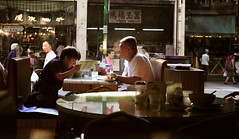 the regulars (Chez C.) Tags: life street people lunch hongkong 50mm couple afternoon rice candid chinese husband meal wife kowloon nikond600