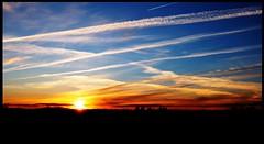 Atardecer Pinar (David S. Daz) Tags: sol atardecer nubes puesta pinar belleza avion