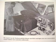 AK-94-72 DAF 600 technische gegevens en practische wenken ANWB 1960 2de druk (willemalink) Tags: en 600 technische druk 1960 daf 2de anwb gegevens wenken practische ak9472