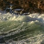 Soothing sound of crashing waves thumbnail