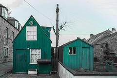 Footdee (jonathan.scaife81) Tags: shed green footdee blackandwhite aberdeen scotland canon 6d selective colour tamron 28300 tamron28300 hut home