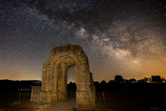As the Romans saw it (Javiralv) Tags: roman romans ruins arc caparra extremadura spain españa cáceres caceres milky way stars night