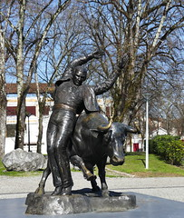Christian Maas - L'écarteur (Thethe35400) Tags: sculpture escultura eskultura skulptur estatua scultura scukpture taureau tauromachie torero sauteur escartur corrida animal animaux dealbhóireacht szobor