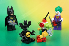 BatBot vs JokerBot: The fist fight begins (Lesgo LEGO Foto!) Tags: lego minifig minifigs minifigure minifigures collectible collectable legophotography omg toy toys legography fun love cute coolminifig collectibleminifigures collectableminifigure minibots minibot robots robot batman joker clown bat man fist fight fighter fighters