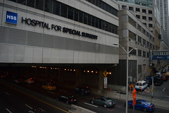 New York Presbyterian tunnel over FDR Drive (ezguy1) Tags: nyc manhattan fdrdrive hospital nyph architecture city traffic nikkor nikon d3200