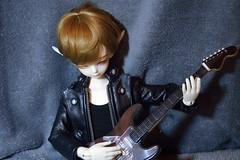 ??? (AliaZanetsu) Tags: yul elf guitar luts mds kiddelf
