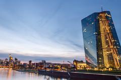 Frankfurt Skyline 2 (andy.konrad) Tags: architektur blauestunde ezb frankfurt gebäude hessen hochhaus main mainhattan skyline sonnenuntergang stadt