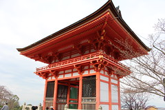 IMG_6447 Kiyomizudera (drayy) Tags: kyoto japan gion temple kiyomizudera maruyamakoen park sakura cherryblossoms 日本 京都 清水寺 円山公園 花見 桜