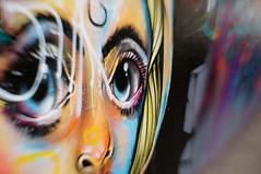 Schau mir in die Augen, Kleines... (h.ullrich) Tags: lensbaby sweet35 streetphotography urban graffiti auge